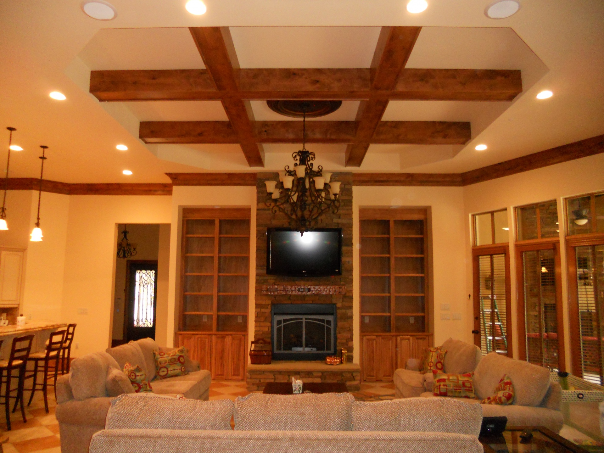 Solid-Wood-For-Ceiling-Design-Ideas.jpg